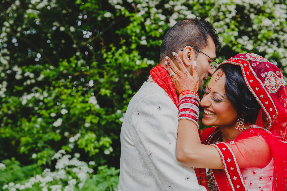 fun midlands gujarati hindu wedding photographer
