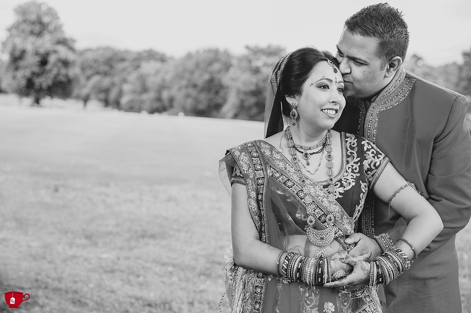Gujarati Hindu Wedding Couple