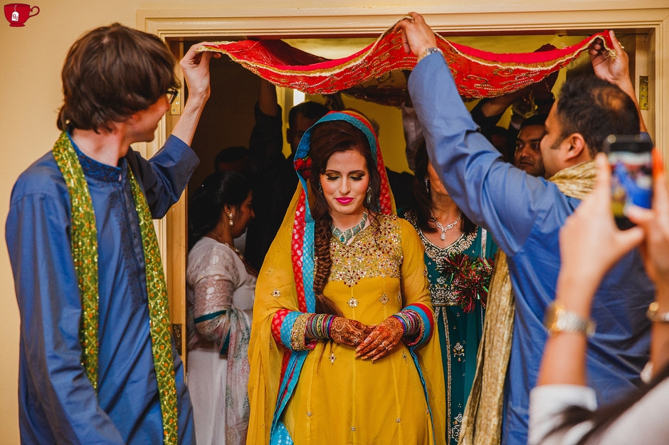 bride entering henna party nawaabs